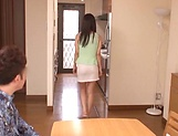 Lustful hosewife Ayaka Yuuko fucked in short mini picture 1
