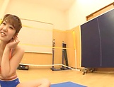Babe Namiki Anri is exposing for toying action