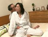 Fingering session with mature Asian babe Ayumi Takanashi