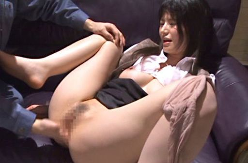 Chizuru Sakura likes it deep and hard in the office