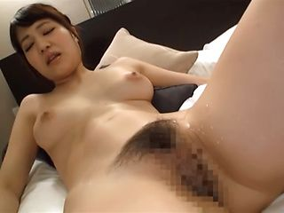 Amateur Japanese babe getting toyed with