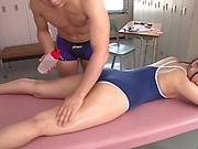 Mizuhara Mako has her cunt stimulated