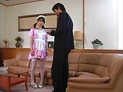 Horny maid Hikaru Hozuki gives a sizzling blowjob