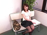 Horny MILF Nozomi Hazuki finger fucks her hairy pussy in public