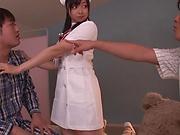 Mizuhara Mako enjoys a steamy threesome