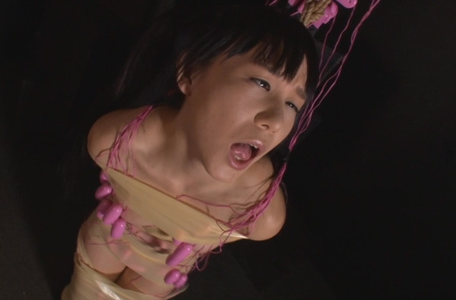 Shaved pussy of Asian babe Marie Konishi is drilled