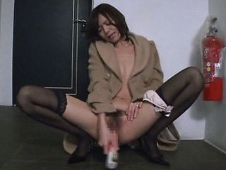 Steamy Aino Kishi begs for a hard cock to suck