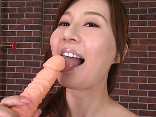 Hot Tatsumi Yui enjoys pleasing a stiff pole