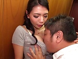 Hodaka Yuuki enjoys kissing and loads of cock sucking picture 5
