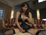 Miyabe Suzuka enjoys  a sensual body licking