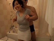 Titjob experience in the tub along busty Tsukada Shiori