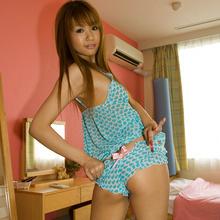 Hinano Momosaki - Picture 16