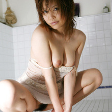 Hitomi Yoshino - Picture 11