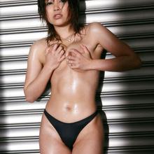 Hitomi Yoshino - Picture 18
