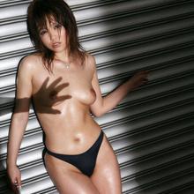 Hitomi Yoshino - Picture 20
