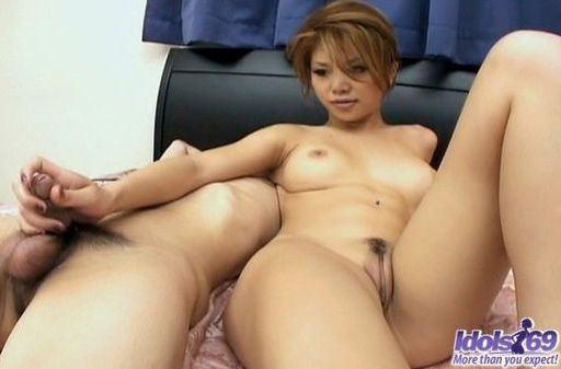 Hotaru Akane Naughty Japanese Model Gives Nice Blowjobs