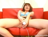 Kaomi Amamiya Masturbate Toying Asian Enjoys Showing Off Her Toys picture 7