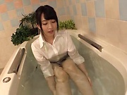 Sakuragi Yukine gets her goodies caressed in bathtub