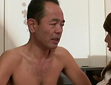 Aymi Shinoda moans while having her pussy pumped well picture 4