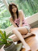 Misa Shinozaki Lovely Young Model Likes Posing Outdoors