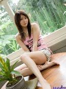 Misa Shinozaki Lovely Young Model Likes Posing Outdoors
