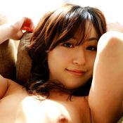 Momo Yoshizawa