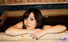 Momo Yoshizawa - Picture 17