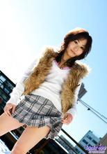 Momo Yoshizawa - Picture 2