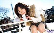 Momo Yoshizawa - Picture 5
