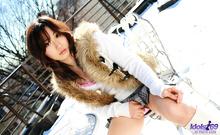 Momo Yoshizawa - Picture 6