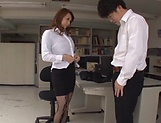 Kazama Yumi gets her twat fucked and creamed
