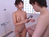 Kami Yuki flaunts her super sexy wet body