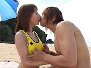 Sex on the beach along young Ayumi Shunka