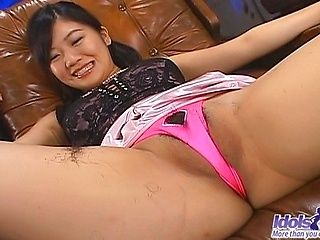 Saya Misaki Asian Beauty Likes Having Her Pussy Shaved
