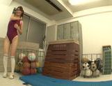 Naughty Mikuni Maysaki enjoys impressive solo