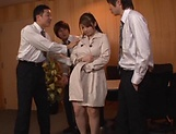 Kinky Tomoe Nakamura gets smashed in foursome picture 1