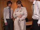 Kinky Tomoe Nakamura gets smashed in foursome picture 2