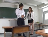 Kazama Yumi gets nailed superbly in class