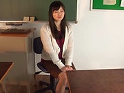 Hirose Yoko giving her student a worthy footjob