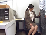 Hirose Yoko giving head at the office