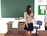 Hirose Yoko has her twat rammed in class picture 11