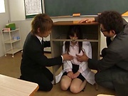 Stunning Iioka Kanako enjoys two hunk men