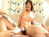 Yoshine Kimura Huge Toying Asian babe Likes Huge Vibrators For Fun