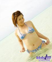 Yuri - Picture 23