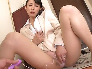 Fujinami Sae Asian mature sales lady enjoys her pussy toys