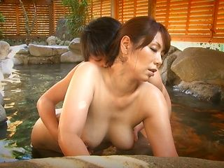 Curvy Asian mature Chisato Syouda sucks dick in the outdoor bath