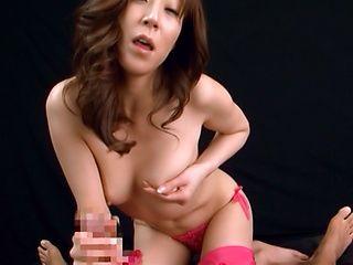 Sassy Reiko Sawamakura chick teases Honami Takasaka