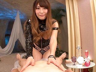 Foxy Kokomi Sakura loves to please an eager dick