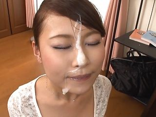 Sexy MILF Miki Shibuya gives a warm blowjob and gets a facial
