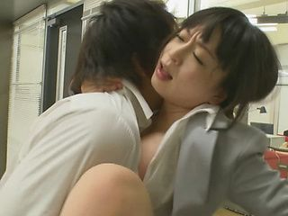 Gorgeous Japanese office lady Hibiki Ootsuki banged in her office